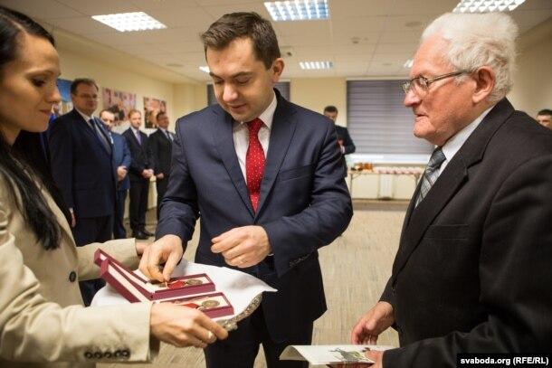 Амбасадар Конрад Паўлік і Адам Мальдзіс