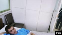 یک بیمار بستری در بیمارستان که مشکوک به ابتلا به وباست.