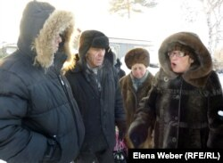 Группа жителей Темиртау говорят о проблемах с водой в их районе. 20 декабря 2012 года.