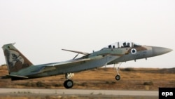 An Israeli F-16I jet fighter lands at an air base in the Negev Desert (file photo)