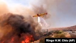 Тушение пожаров в американском штате Калифорния.