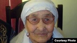 Кызылгуль Боранбаева, 110-летняя жительница поселка Тасбогет. Кызылорда, 10 января 2012 года. Фото из личного архива семьи Боранбаевых.
