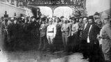 Kirov və Orconikidze Bakı dəmiryol vağzalında, 28 aprel 1920