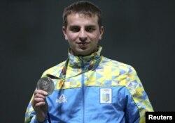 Володар першої для України нагороди на Олімпійських іграх у Ріо - срібний призер із кульової стрільби Сергій Куліш. Ріо-де-Жанейро, 8 серпня 2016 року