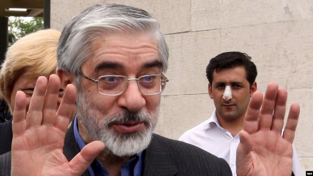 Iranian oppositionist Mir Hossein Musavi (file photo)