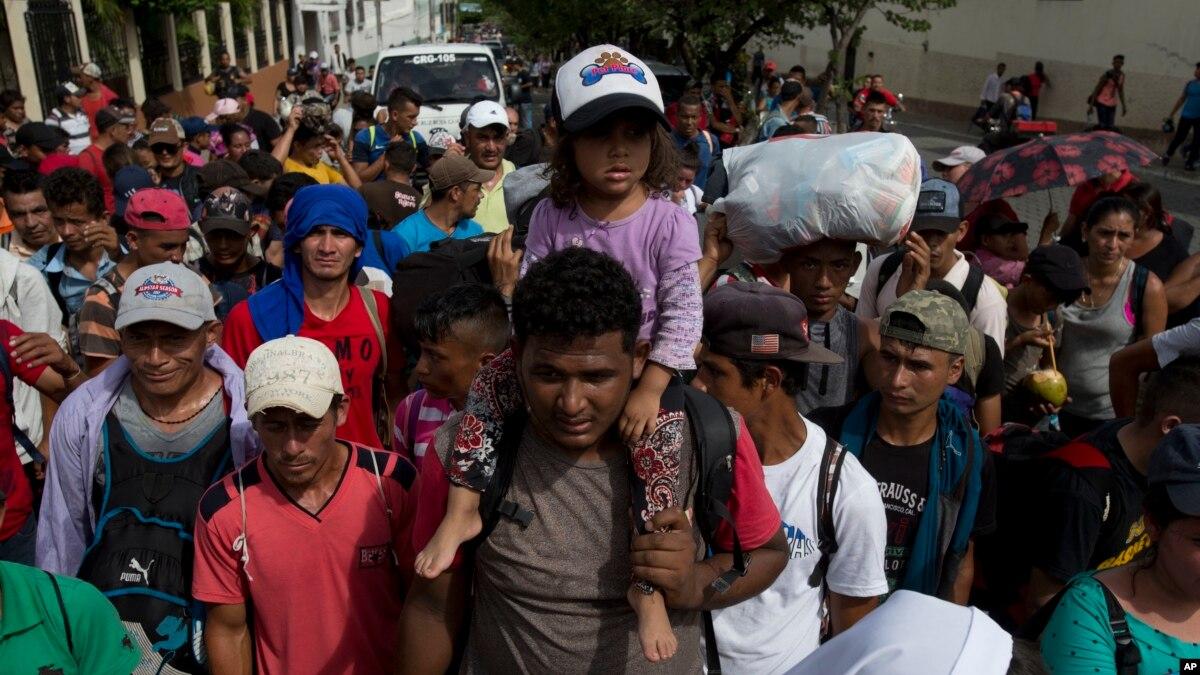Karvani i migrantëve  Qindra vetë arrijnë kufirin me SHBA në