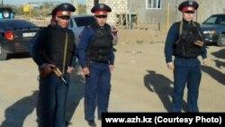 Сотрудники казахстанской полиции. Иллюстративное фото.