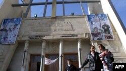 مدخل كنيسة سيدة النجاة في بغداد