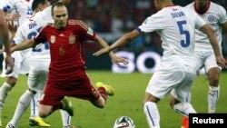 Матч Чили - Испания на чемпионате мира по футболу, Рио-де-Жанейро, 18 июня 2014 года.