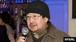 Гали Азимбай, политолог.