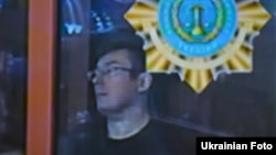 Юрій Луценко під час судового засідання, Київ, 2 квітня 2013 року