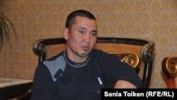 Слесарь Эдмунд Бисенов. Жанаозен, 12 января 2015 года.