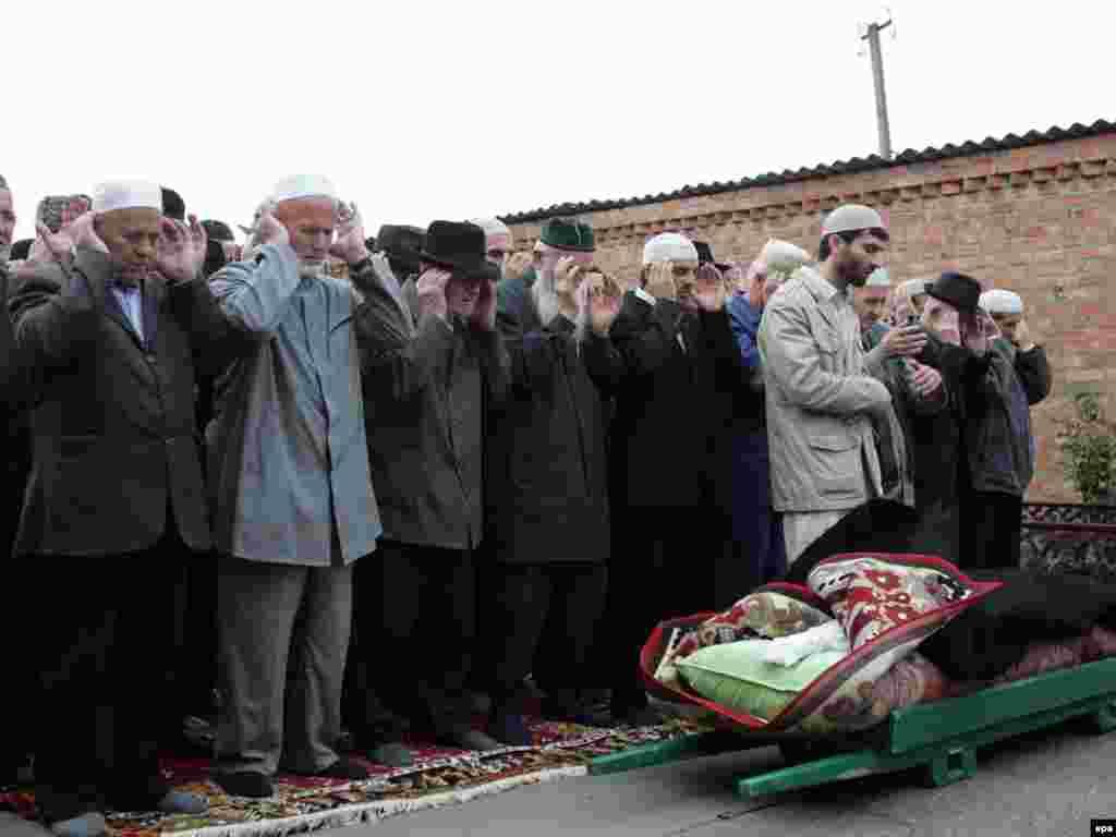 В Чечне похоронены правозащитница Зарема Садулаева и ее муж Алик Джабраилов