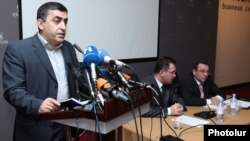 Armenia - Armen Rustamian (L), a leader of the Armenian Revolutionary Federation, speaks at an opposition conference in Yerevan, 20Jan2012.