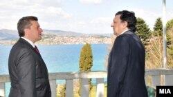 Hose Manuel Baroso gjatë takimit me presidentin e Maqedonisë, Gjorgje Ivanov. Ohër 09 prill 2011