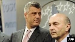 Hashim Thaçi dhe Isa Mustafa