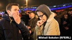Ксения Собчак и Илья Яшин на месте убийства Бориса Немцова