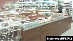 Иллюстрационное фото: конфеты и печенье в супермаркете Симферополя