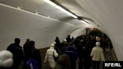 Ukraine -- subway, traffic-jam, crowd, Kyiv, 14Feb2010