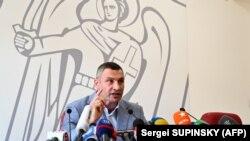 Віталій Кличко 26 липня на пресконференції повідомив, що не піде на допит до ДБР, а його інтереси там представлятиме адвокат