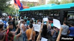 Armenia - Activists urge Yerevan residents to defy transport fare rises, 24Jul2013.