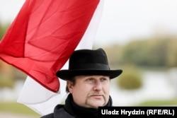 Актывіст Максім Вінярскі на пікеце «Эўрапейская Беларусь»