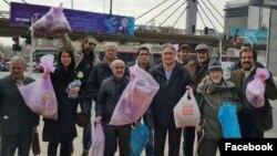 گروهی از فعالان مدنی که با رفتگرهای تهران همکاری میکنند