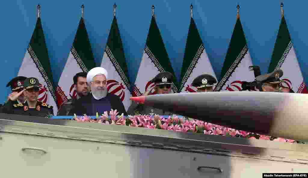 ИРАН - Иранскиот претседател Хасан Рохани повтори дека неговата земја е подготвена да го преземе следниот чекор и да започне со збогатување ураниум над нивото од 3.67 проценти кое е предвидено со нуклеарниот договор од 2015 година. Ако сакате да искажете жалење и да дадете изјава, можете да го направите тоа сега, порача Рохани.