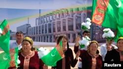 "Türkmenistan, ""Bagtyýarlyk"" gaz ýatagynda täze zawodyň açylyş dabarasy. 7-nji maý, 2014."