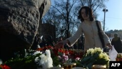 Соловецкий камень на Лубянской площади в Москве – мемориал памяти жертв сталинских респрессий