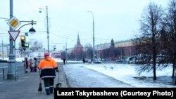 Москвада коомдук тазалыкты камсыздаган мигранттар