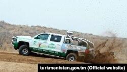 Гоночный автомобиль президента Туркменистана.