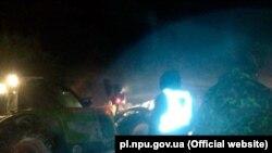 Рятувальникам довелося діставати автівки зі снігових заметів