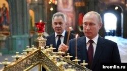 Vladimir Putin și Sergei Șoigu, ministru al Apărării
