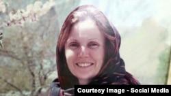 کری ویلسن خانم اختطاف شده آسترالیایی که توسط نیروهای امنیت ملی افغانستان از چنگ ربایندگان آزاد گردید.