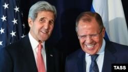 ԱՄՆ-ի պետքարտուղար Ջոն Քերրի և Ռուսաստանի ԱԳ նախարար Սերգեյ Լավրով, Նյու Յորք, 27-ը սեպտեմբերի, 2015թ․