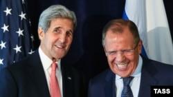 Госсекретарь США Джон Керри (слева) и глава МИД России Сергей Лавров. Нью-Йорк, 27 сентября 2015 года.