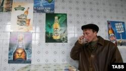 Rusiyada ölümlərin 72, intiharların isə 42 faizi alkoqola bağlıdır