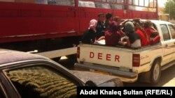 أُسر أيزيدية تنزح إلى دهوك - 6 آب 2014