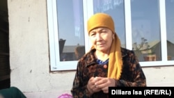 """Клара Парпиева, сына которой арестовали по подозрению в """"пропаганде терроризма"""". Южно-Казахстанская область, 17 ноября 2017 года."""