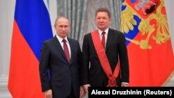 آلکسی میلر، مدیر گازپروم در کنار ولادیمیر پوتین