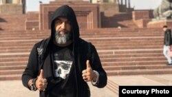 Узбекский певец и композитор Санжар Джавбердиев, выступающий под сценическим псевдонимом San Jay. Фото из аккаунта певца в Instagram.