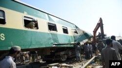 این حادثه دومین تصادف مرگبار قطار در پاکستان در دو ماه گذشته است.