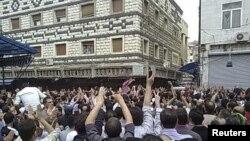 Хомс – пахаваньне забітых пратэстоўцаў, 18 красавіка, 2011