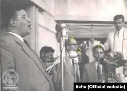 مظفر بقایی در حال سخنرانی همراه با ۱- کریم سنجابی ۲-حسین فاطمی ۳-علی شایگان