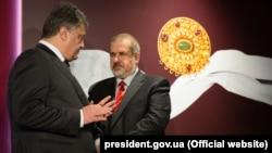 Президент України Петро Порошенко і голова Меджлісу кримськотатарського народу Рефат Чубаров, архівне фото