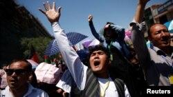 Owganystanyň paýtagty Kabulda şaýy hazara azlygyndan on müňlerçe adam protest geçirýär. 16-nnjy maý, 2016 ý.