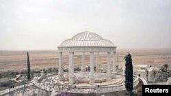 Дворцовый комплекс на окраине Пальмиры