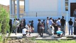 Türkmen migrantlary Türkiýede nähili ýagdaýlarda aldawa düşýärler?
