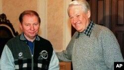 Леонід Кучма (л) і Борис Єльцин – президенти України та Росії. Москва, 16 листопада 1997 року. На цей час вже діяв Договір про дружбу між двома країнами, що був підписаний 31 травня 1997 року